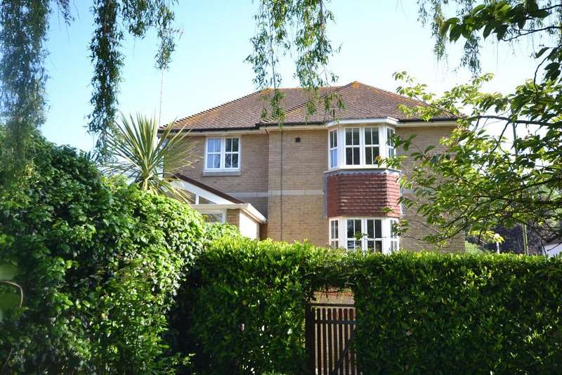 3 Bedrooms House for rent in Pulborough, West Sussex, RH20
