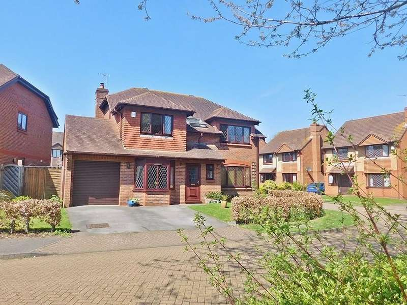 4 Bedrooms Detached House for sale in St Christopher Avenue, Fareham