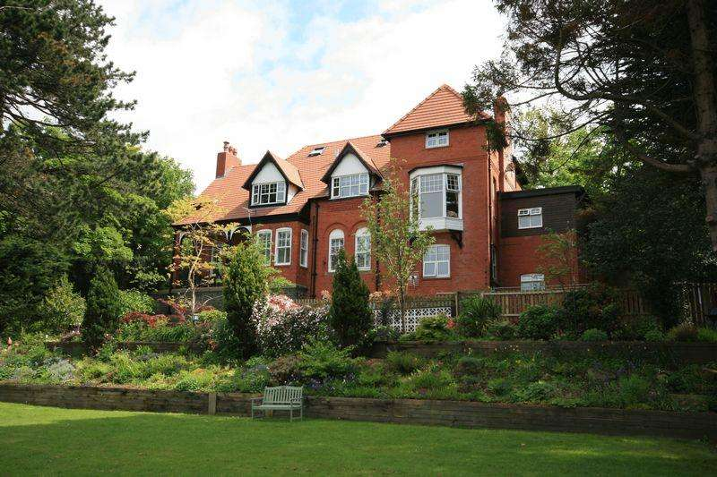 7 Bedrooms Detached House for sale in Graiglwyd Road, Penmaenmawr