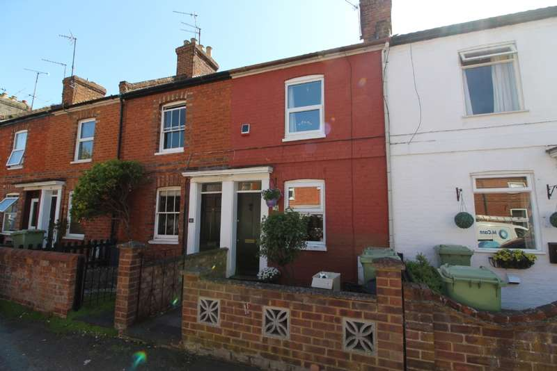 2 Bedrooms Terraced House for sale in Beaconsfield Place, Newport Pagnell, Buckinghamshire