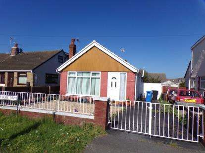 2 Bedrooms Bungalow for sale in Salisbury Drive, Prestatyn, Denbighshire, ., LL19