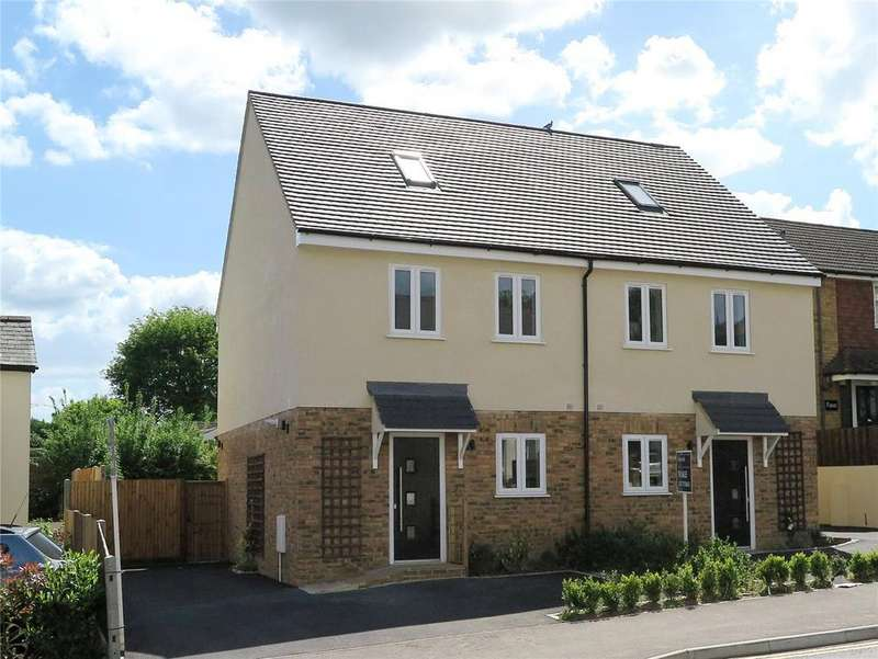 3 Bedrooms Semi Detached House for rent in Westwood Cottages, Alma Lane, Farnham, Surrey, GU9