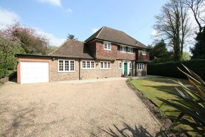 4 Bedrooms Detached House for sale in Pinner Hill, Pinner