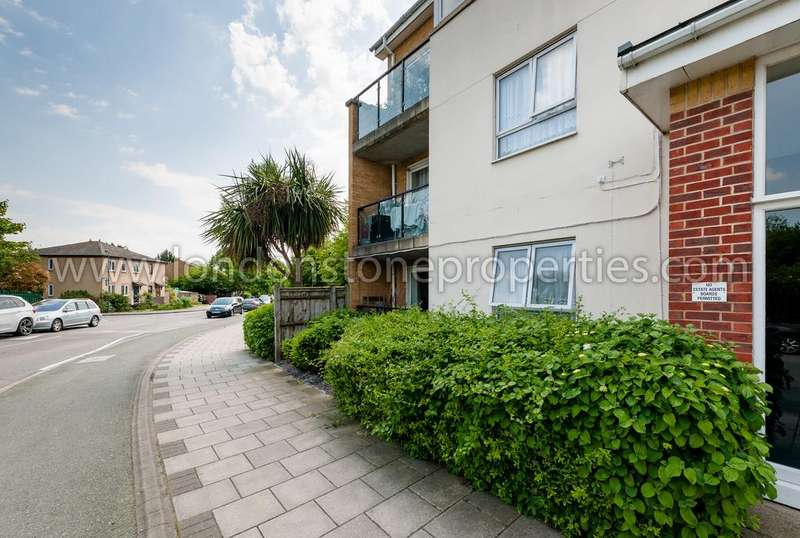 2 Bedrooms Flat for sale in Pier Way, West Thamesmead SE28