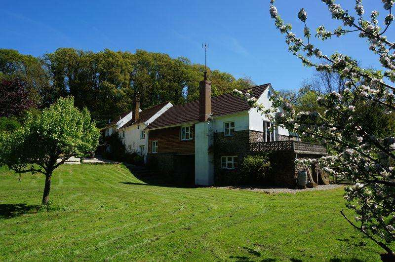 5 Bedrooms Detached House for sale in Nymet Mill Farm, Crediton