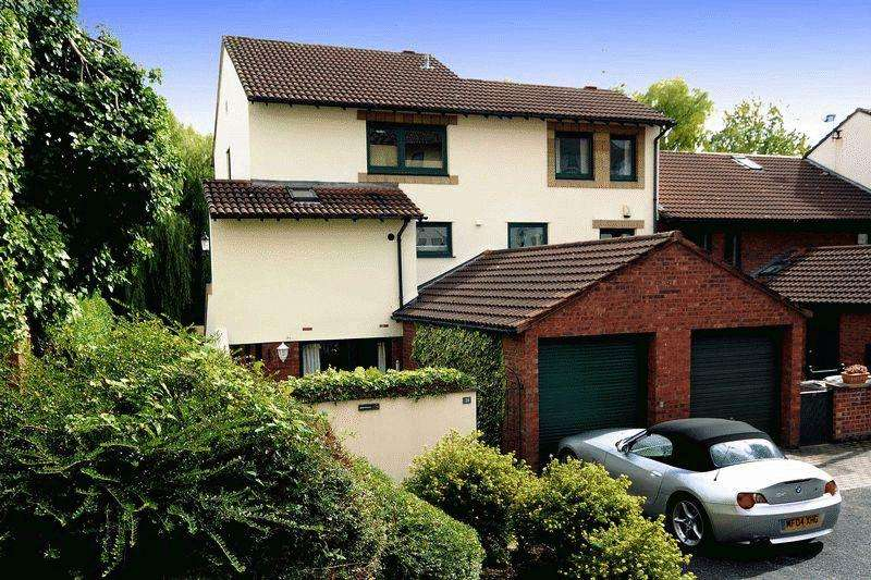 2 Bedrooms Ground Flat for sale in Ruskin Court, Knutsford