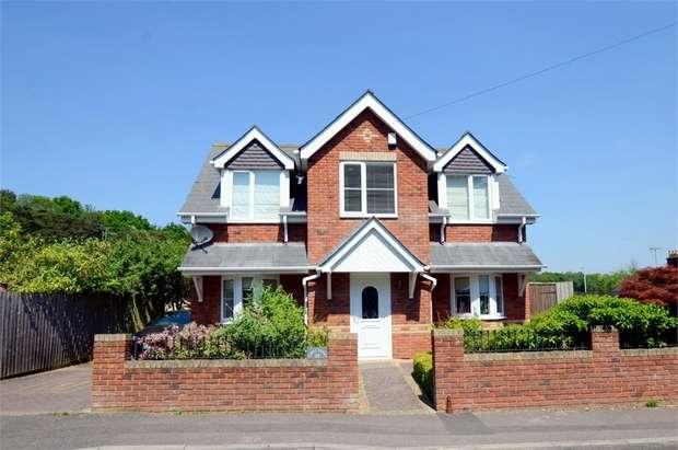 3 Bedrooms Detached House for sale in Laurel Cottage, Gordon Road, Poole