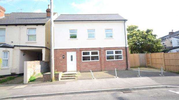 2 Bedrooms Detached House for sale in Great Knollys Street, Reading, Berkshire