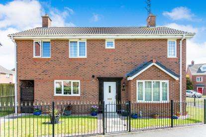 4 Bedrooms Detached House for sale in Regency Square, Warrington, Cheshire