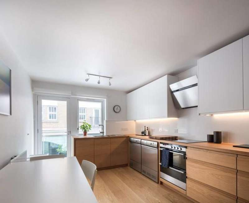 3 Bedrooms Maisonette Flat for sale in Cartwright Street, Tower Hill, E1