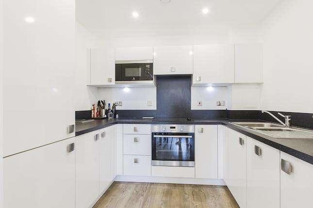 1 Bedroom Apartment Flat for sale in Parkside Court, Royal Docks, E16