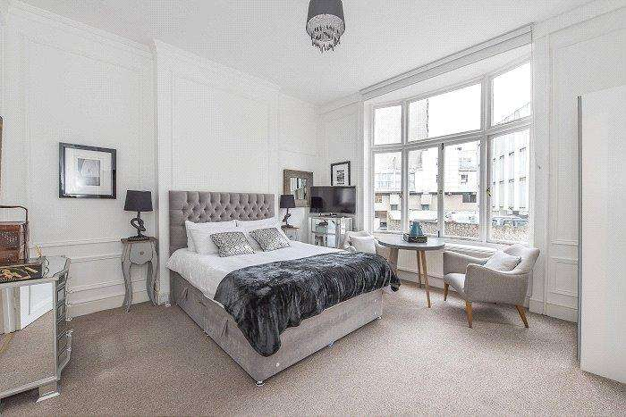 Studio Flat for sale in Basil Street, Knightsbridge