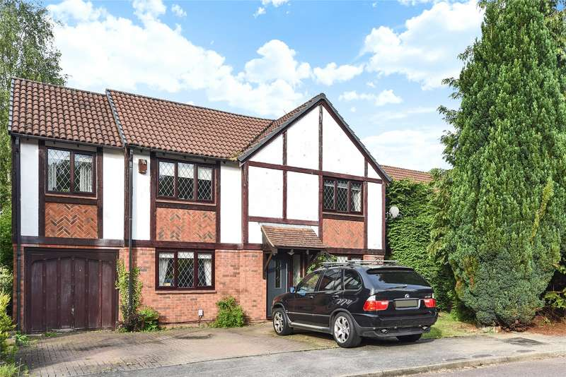 5 Bedrooms Detached House for sale in Dorset Way, Wokingham, Berkshire, RG41