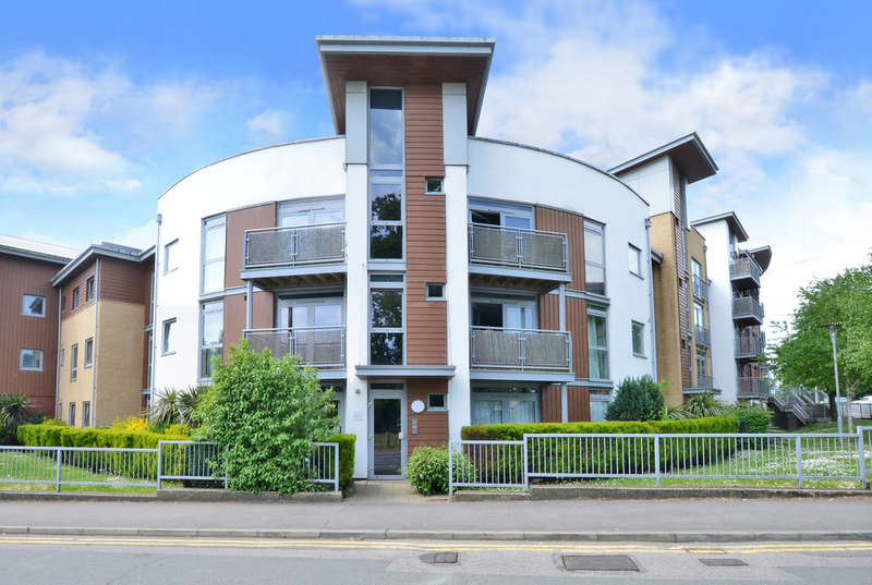 2 Bedrooms Flat for sale in Kelvin Gate, Bracknell