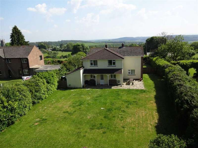 4 Bedrooms Detached House for sale in Leigh Road, Chulmleigh, Devon, EX18