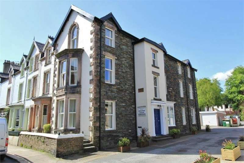 2 Bedrooms Flat for sale in Apartment 3, Carlton House, 6 Southey Street, Keswick, Cumbria