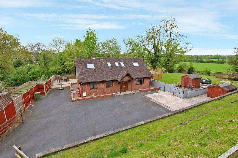 4 Bedrooms Bungalow for sale in Rotherwas, Hereford