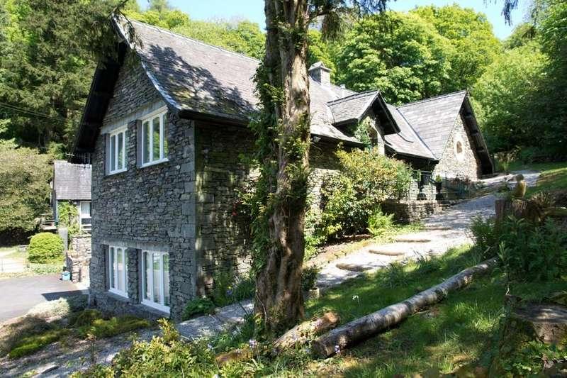3 Bedrooms Apartment Flat for sale in 3 Elleray Mews, Windermere, Cumbria LA23 1AP