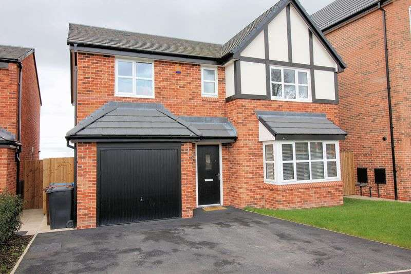4 Bedrooms Property for sale in Farm Crescent, Radcliffe