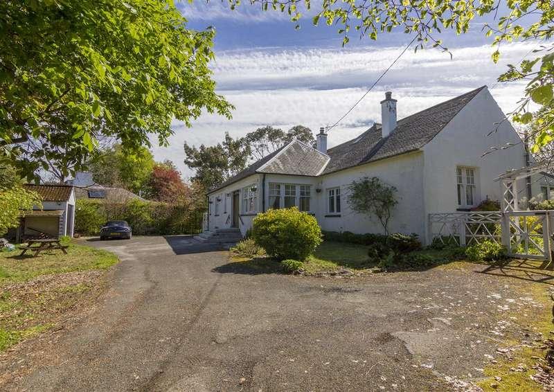 4 Bedrooms Detached House for sale in Rowanleys, Drumburn Road, Muckhart