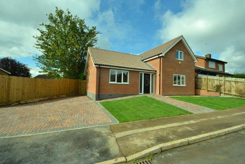 4 Bedrooms Property for sale in Glaisdale Road, Wigston, Leicester