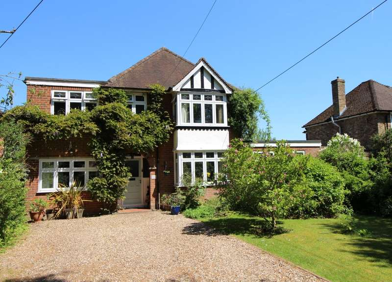5 Bedrooms Detached House for sale in Woodlands Road, Sonning Common, RG4