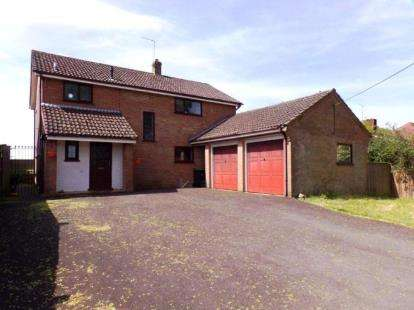 4 Bedrooms Detached House for sale in Alderholt, Fordingbridge