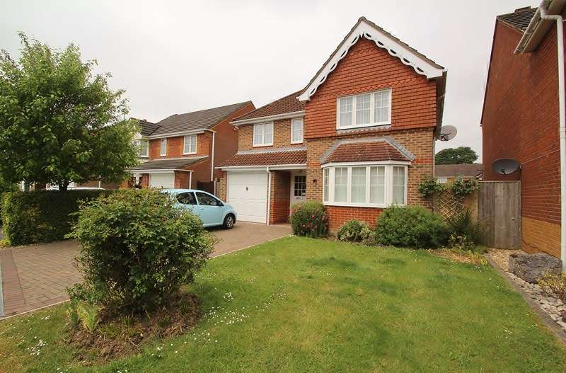 4 Bedrooms Detached House for sale in Cheshire Close, Fareham