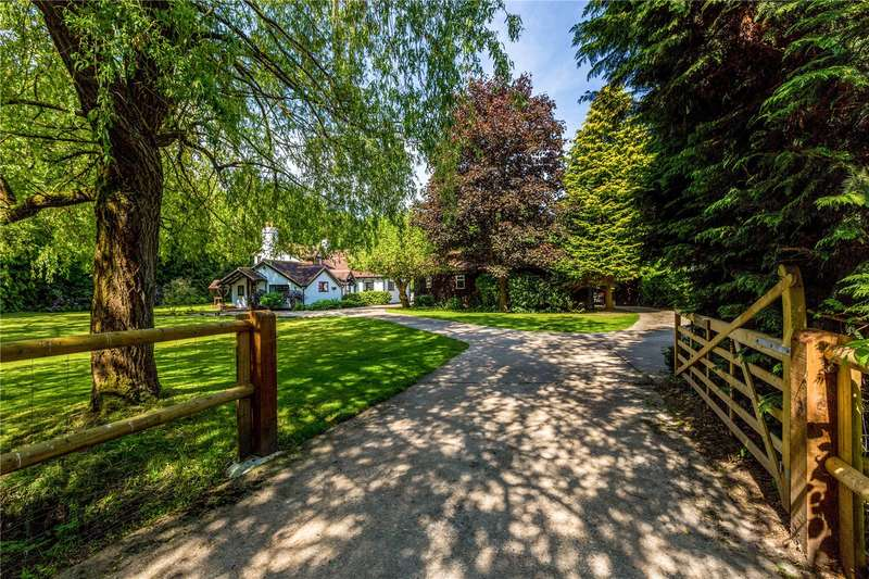 4 Bedrooms Detached House for sale in New Mill Lane, Eversley, Hook, RG27