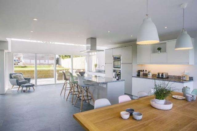 4 Bedrooms House for sale in Chy Lowen, Trebetherick, Trebetherick