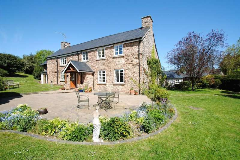 5 Bedrooms Detached House for sale in Upton, Taunton