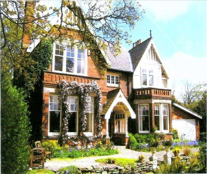 6 Bedrooms Property for sale in Hetton Road, Houghton le Spring, Houghton le Spring, Tyne & Wear, DH5 8NB