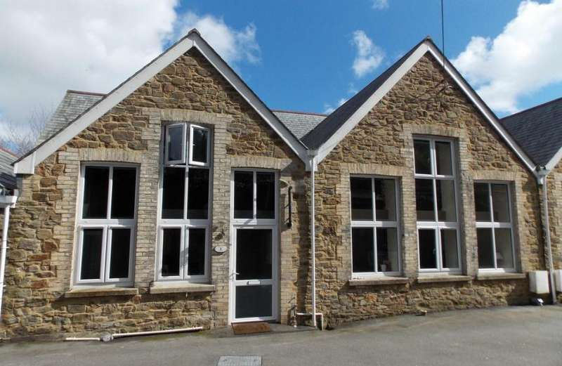 2 Bedrooms Property for sale in St Blazey