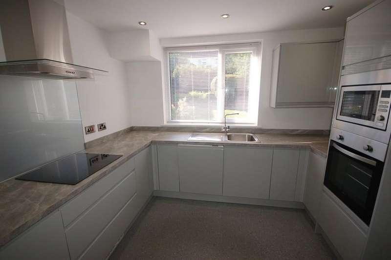 3 Bedrooms Semi Detached House for sale in Lytham Road, Blackburn