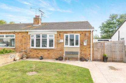 2 Bedrooms Bungalow for sale in Llys Charles, Towyn, Abergele, Conwy, LL22