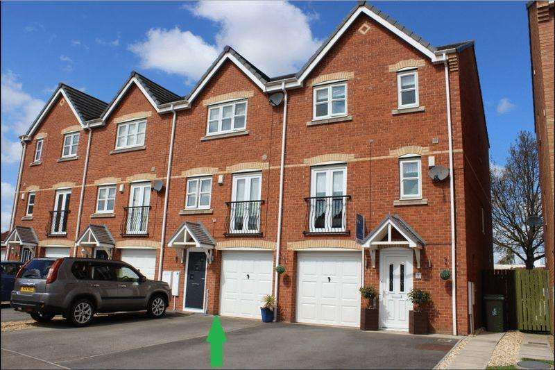 4 Bedrooms Terraced House for sale in Jenner Drive, Stockton, TS19 8RE