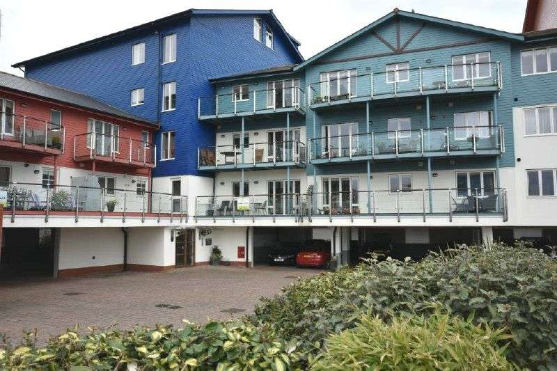 2 Bedrooms Flat for sale in REGATTA COURT, EXMOUTH