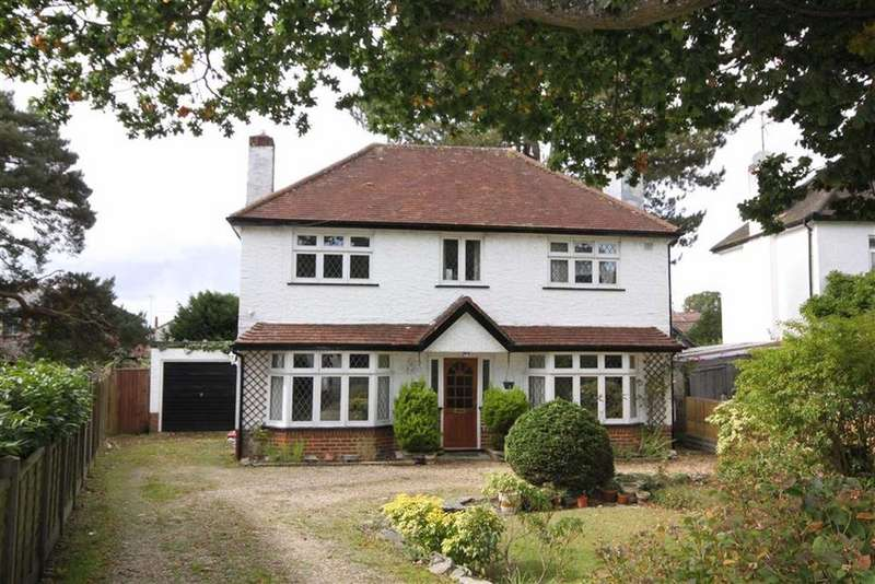 4 Bedrooms Detached House for sale in The Grove, Christchurch, Dorset