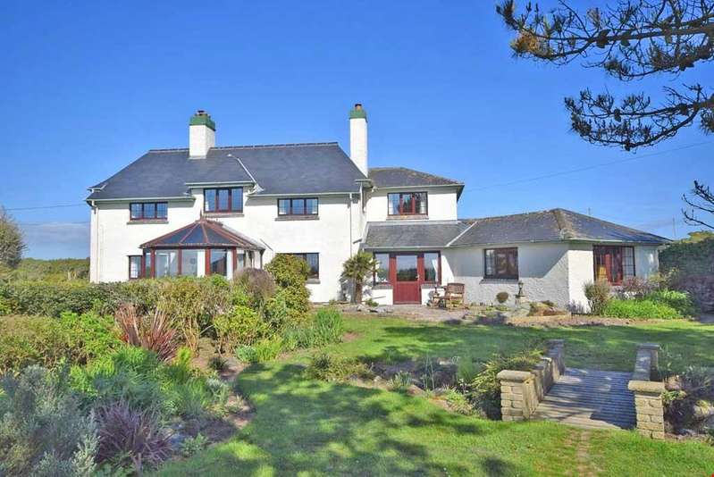 5 Bedrooms Detached House for sale in Mullion, Nr. Helston, Cornwall, TR12