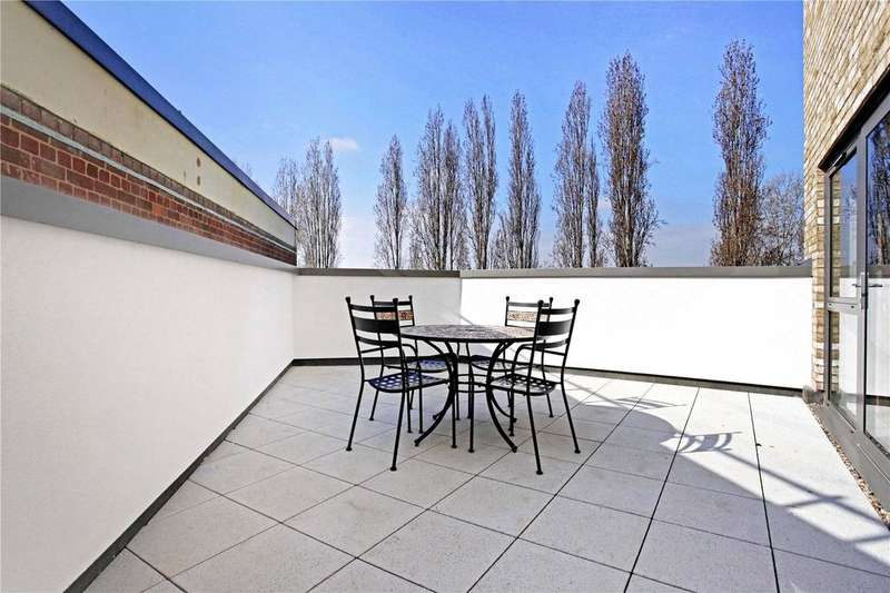 2 Bedrooms Flat for sale in Glade Apartments, 24 Stebondale Street, London, E14