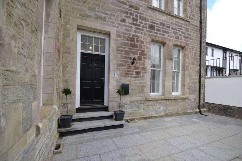 2 Bedrooms Apartment Flat for sale in The Sergeants Mess, Victoria Square