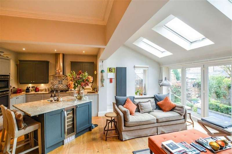 4 Bedrooms Semi Detached House for sale in Lindop Road, Hale, Cheshire, WA15