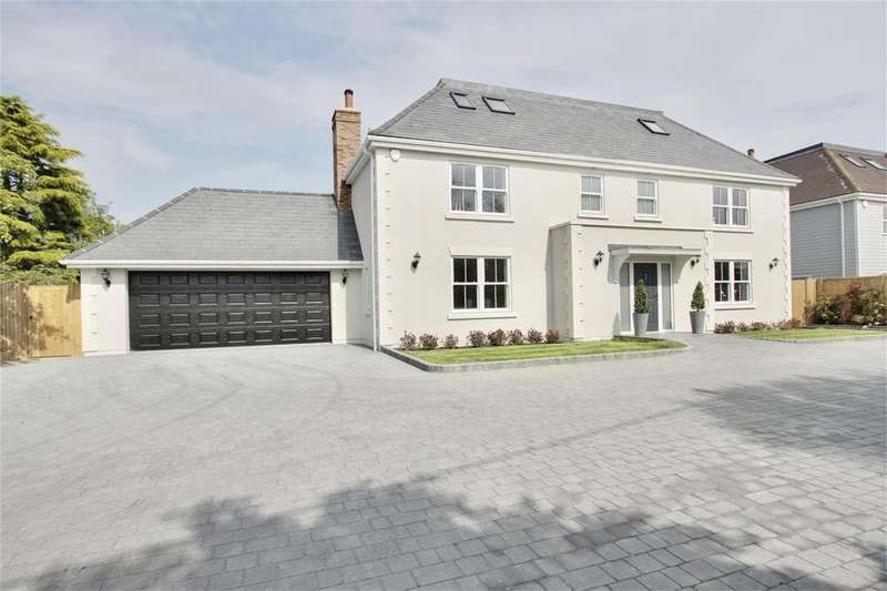 5 Bedrooms Detached House for sale in The Maple, Epping
