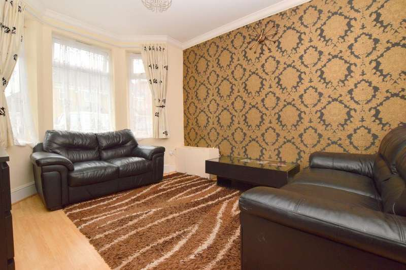 3 Bedrooms Terraced House for sale in Biscot Road, Luton, LU3 1AX