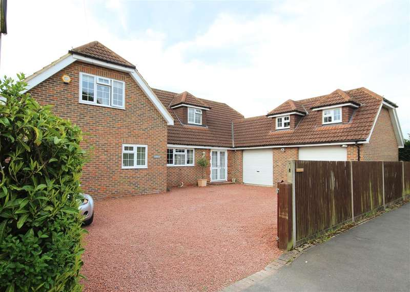 5 Bedrooms Detached House for sale in Lindhurst, Windsor Road, Lindford