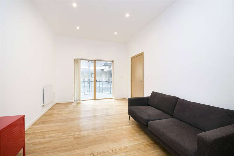 3 Bedrooms Flat for sale in Dalston Lane, Hackney, E8
