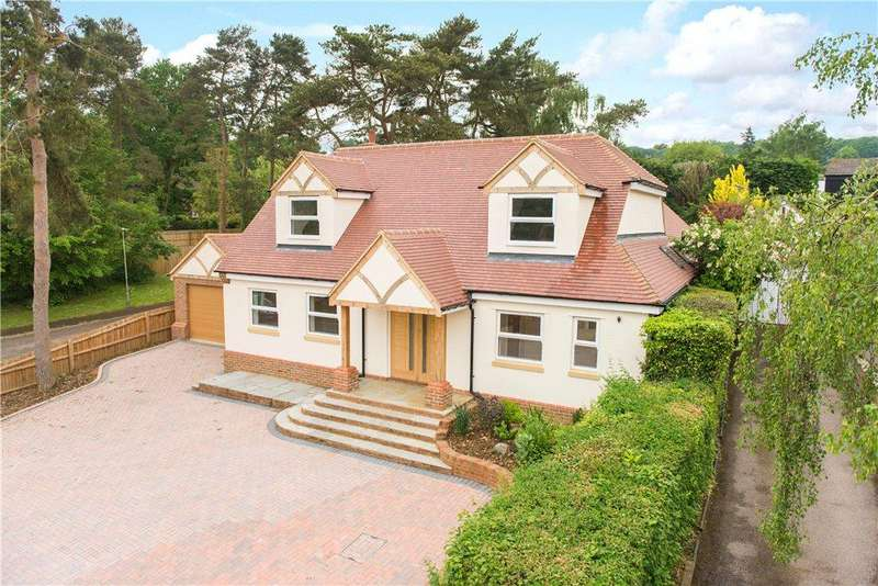 4 Bedrooms Detached House for sale in Heathbrow Road, Oaklands, Welwyn, Hertfordshire