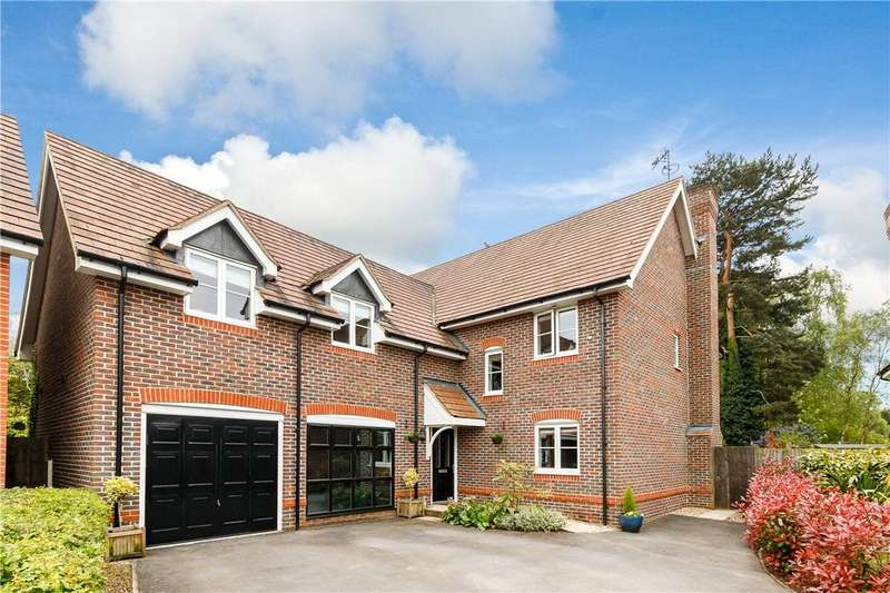 5 Bedrooms Detached House for sale in Hermitage Green, Hermitage, Thatcham, Berkshire, RG18
