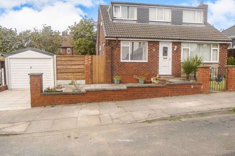 4 Bedrooms Property for sale in Whitburn Drive, Bury