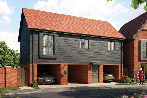 2 Bedrooms Maisonette Flat for sale in Old Wokingham Road, Crowthorne, Berkshire